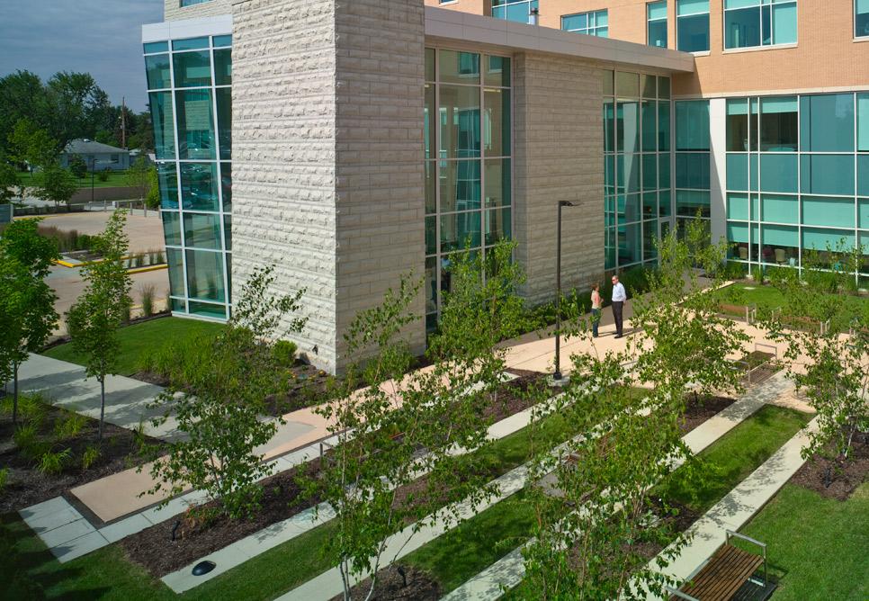 Blanchard valley regional health center landscape nbbj for Gardens regional hospital and medical center
